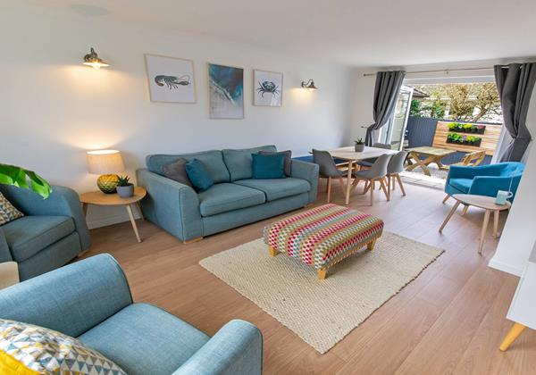 Beautiful Skandi inspired lounge