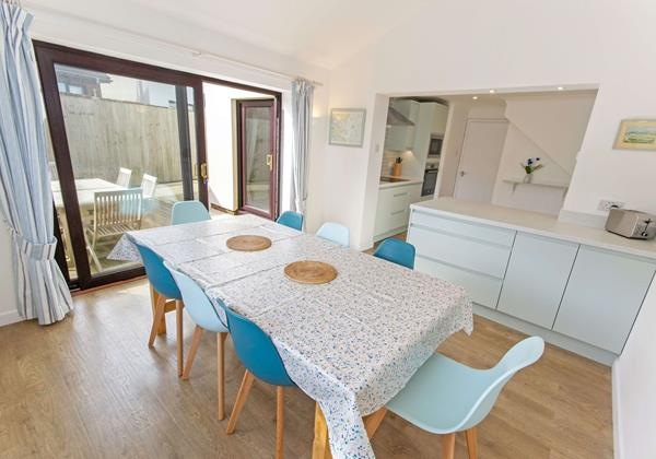 Spacious dining area in Croyde