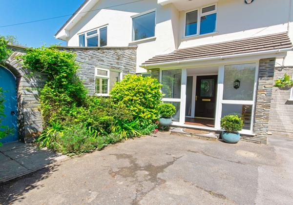 Well maintained country cottage garden in Croyde