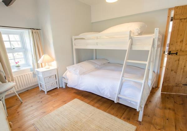 Triple bunk room perfect the teenagers to share