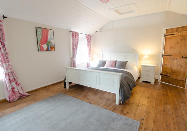Spacious main double bedroom