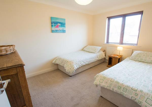 Twin bedroom Oyster Cottage Braunton