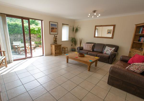 Large modern villa styled lounge in braunton