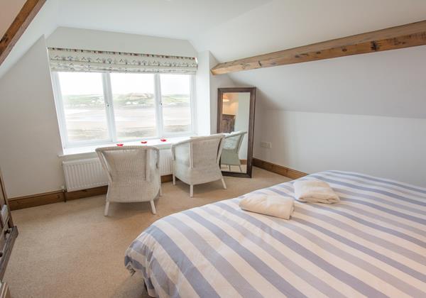 Master superking bedrrom with stunning views overlookingCroyde Bay North Devon