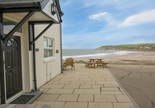 Holiday in Croyde at Beach Breeze