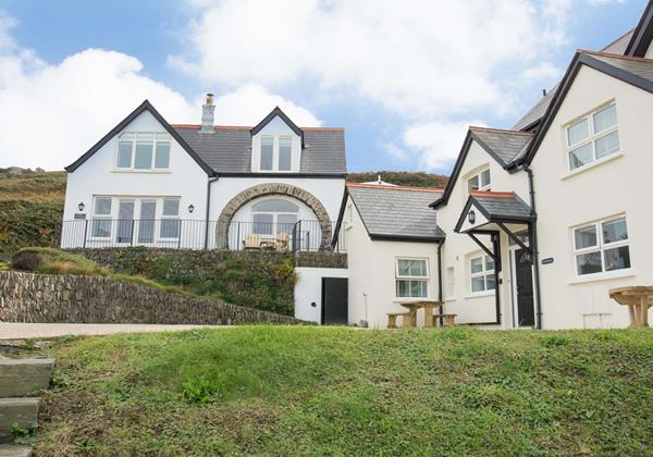 Stables & Beach Breeze holiday together sleeps 13 in Croyde North Devon