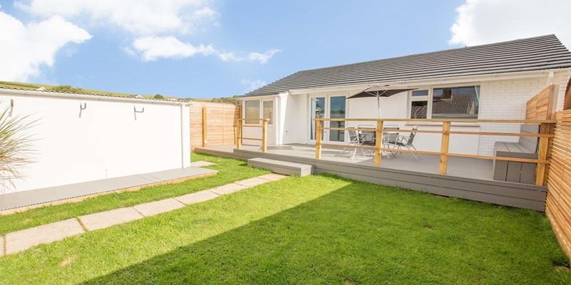 Lawned garden deck BBQ holiday retreat Braunton Devon