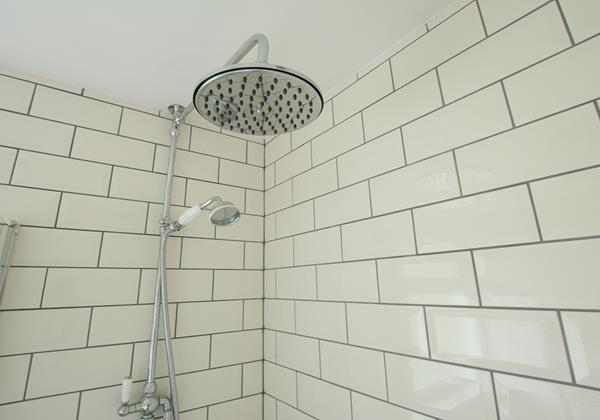 Rainhead shower in the family bathroom