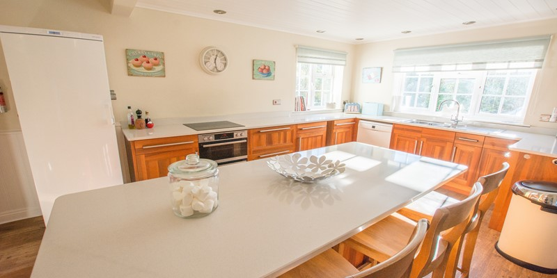 Open plan kitchen Island breakfast