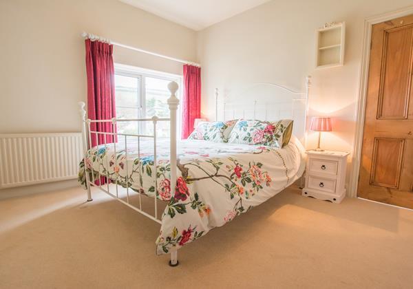 Quaint master bedroom holiday retreat