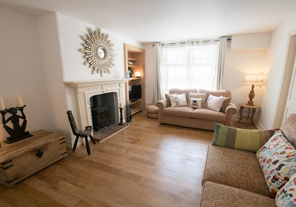 Large lounge with wood burner for those chilly evenings on holiday