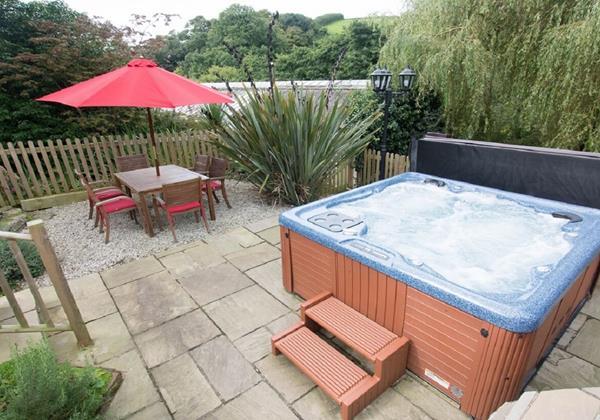 north devon holidays with hot tub