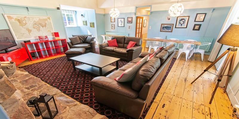 Streamways Lounge
