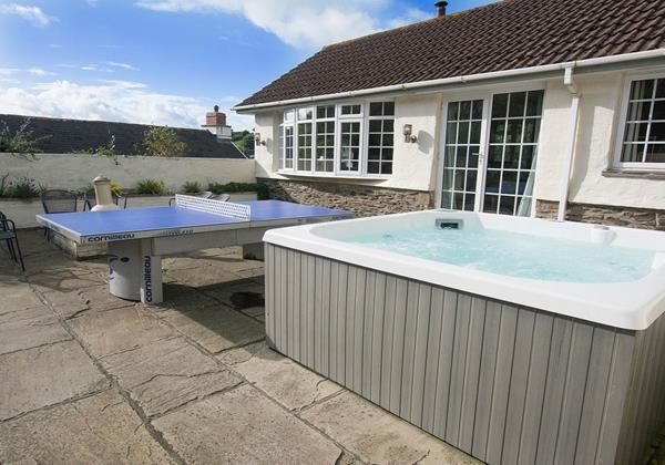 Relax and soak in the Hot Tub at the end of a Beach day in Croyde North Devon