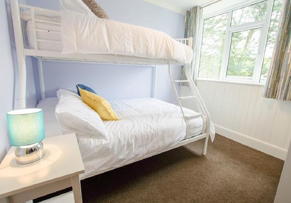 Streamways Triple Bunk room double single