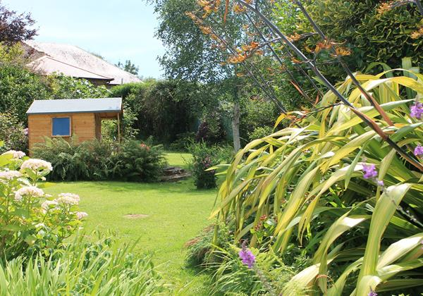 Summerhouse and lawned garden