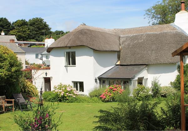 Thatched cottage in Georgeham Nr Croyde