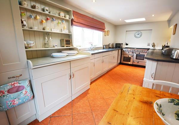 Kitchen with super range cooker