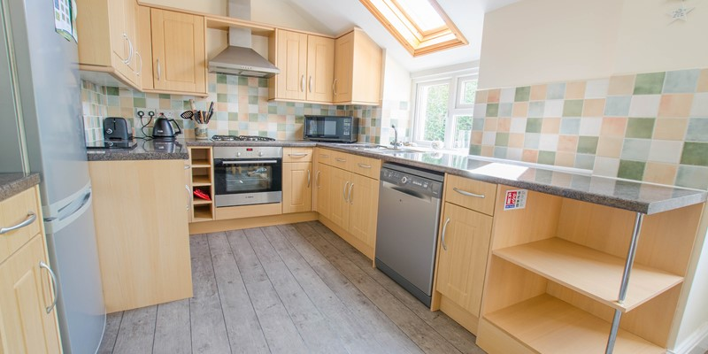 Fully equipped kitchen at Cloudbreak North Devon