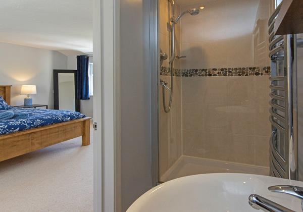 Master bedroom en suite shower room