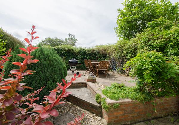 Delightful garden with shrub borders